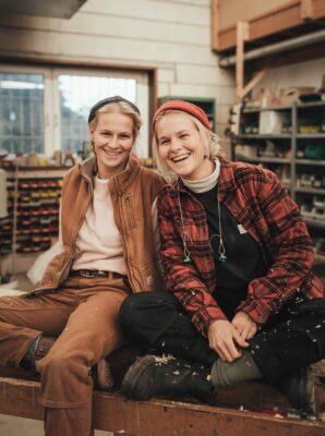 Die Tischlerinnen Sarah & Wanda Seegers
