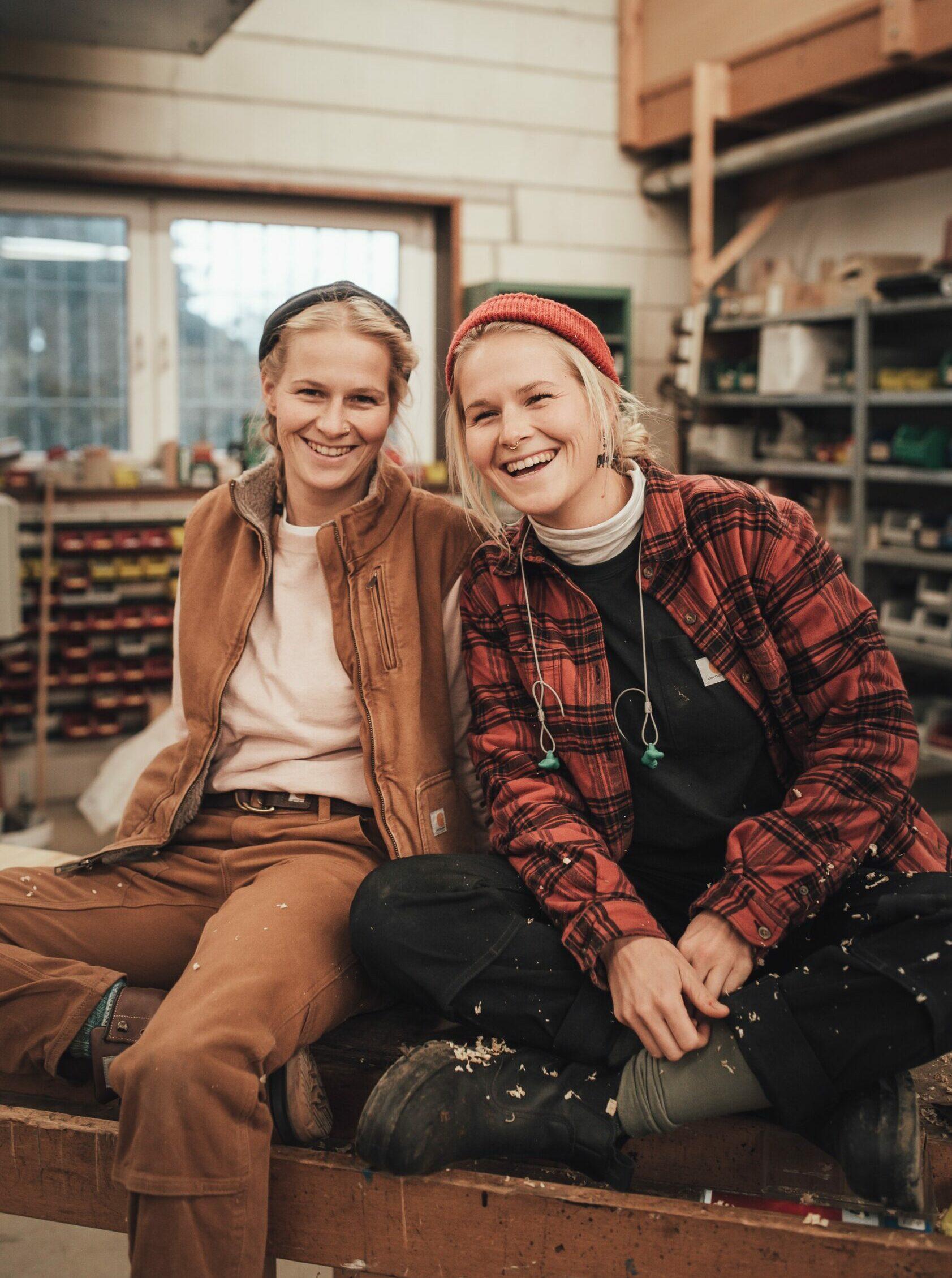 Frauen im Handwerk: Die Tischlerinnen Sarah & Wanda Seegers